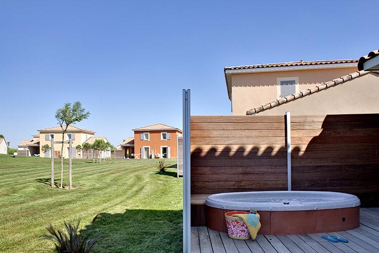 Résidence Club Fabrègues, Le Domaine du Golf, Languedoc-Roussillon, terrasse