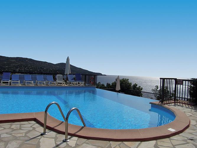 Résidence Partenaire Le Lavandou, Le Domaine de la pinède, Côte d'Azur, piscine