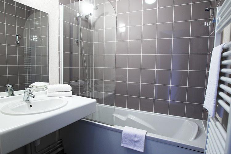 Résidence Détente*** mmv Mont-Saint-Michel, le domaine du mont, Roz-sur-Couesnon, salle de bain