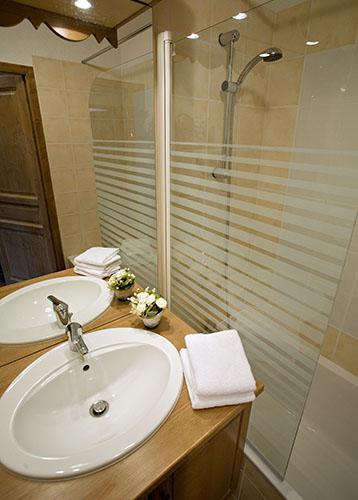 Salle de bain résidence club le hameau des airelles