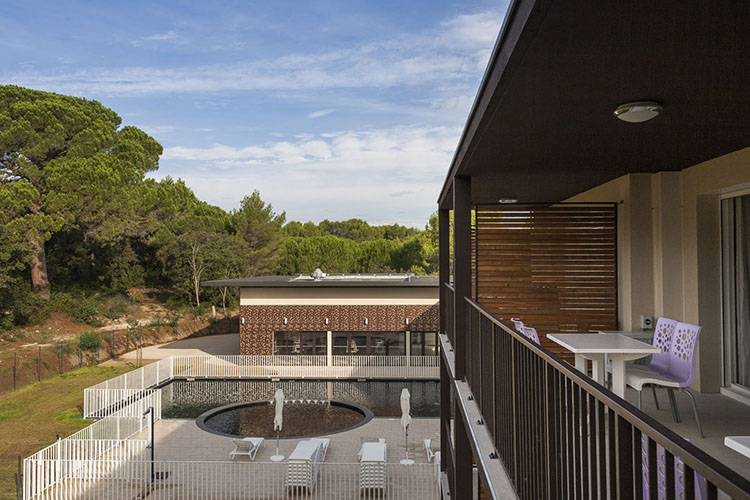 Résidence club mmv Pont du Gard, Le Pont du Gard, Gard, balcon