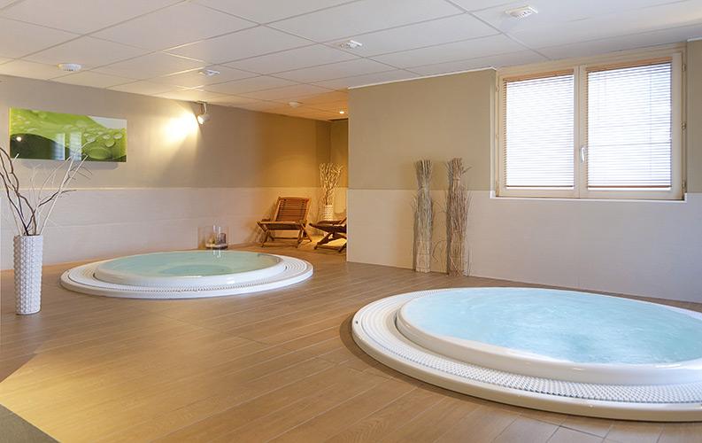 Un Espace Bien-être avec sauna, hammam, jacuzzi et salles de soins