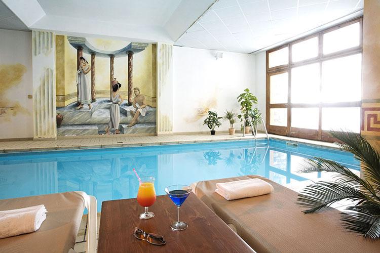 Hôtel club mmv Val Cenis, Le Val Cenis, Savoie, piscine