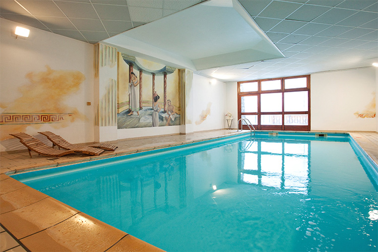 mmv Hotel Club Val Cenis, Le Val Cenis, Savoie, French Alps, pool