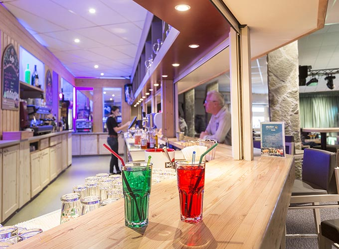 bar et salle de spectacle de l'hôtel les Berges à l'Alpe d'Huez