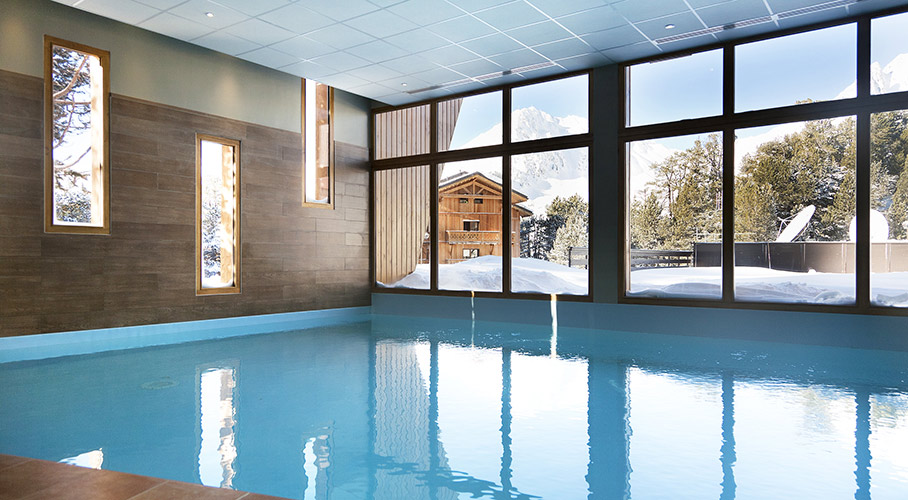piscine chauffée hotel Arc 2000