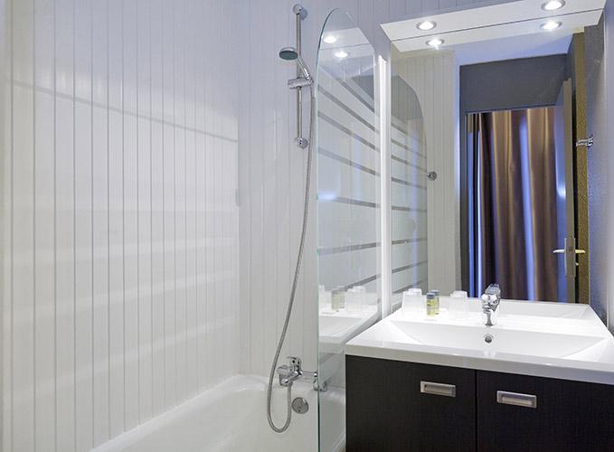 salle de bain hotel Arc 2000 Les Mélèzes