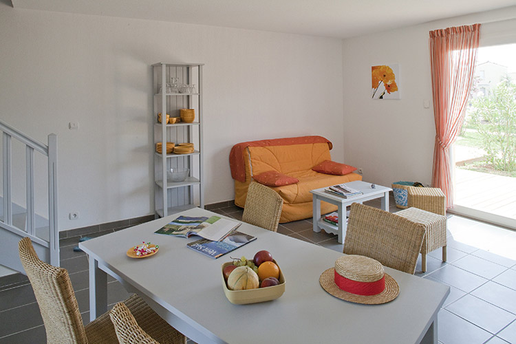 Residence Club mmv Aubignan Les Demeures du Ventoux, Provence, apartments