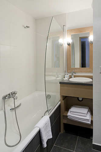 Belle Plagne, mmv Residence Club Le Centaure, French Alps, Savoie, bathroom