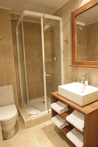 Salle de bain : Hébergement Isola 2000