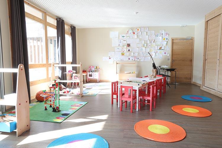 location menuires club enfant